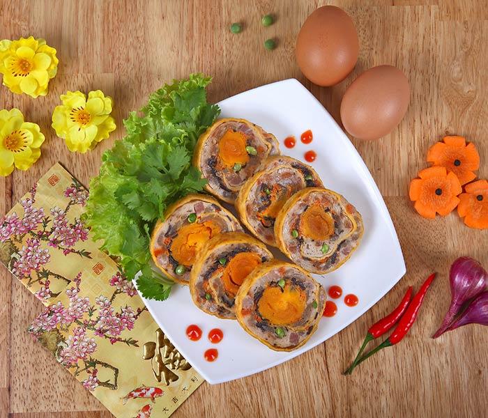 Trứng cuộn ngũ sắc thơm ngon, bắt mắt